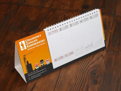 Wizualizacja kalendarza biurkowego typu piramidka