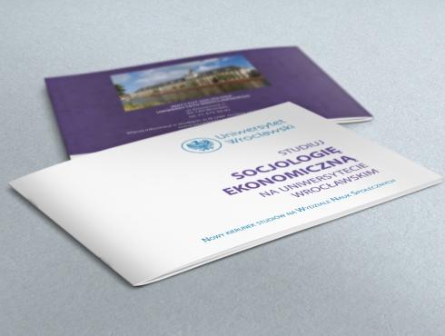Ulotka promująca nowy kierunek studiów na Wydziale Nauk Społecznych Uniwersytetu Wrocławskiego